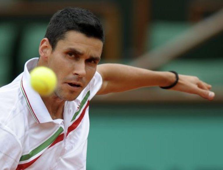 Victor Hanescu in actie op Roland Garros in Parijs. ANP Archieffoto mei 2010 Beeld