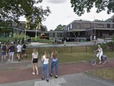 Vader vindt mondkapjes onzinnig en deelt zijn mening  via flyers met leerlingen Nuborgh in Nunspeet