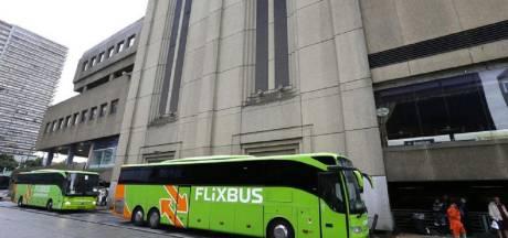 Verstekeling (19) geplet onder bus naar Londen: 'Hij schreeuwde het uit van pijn'