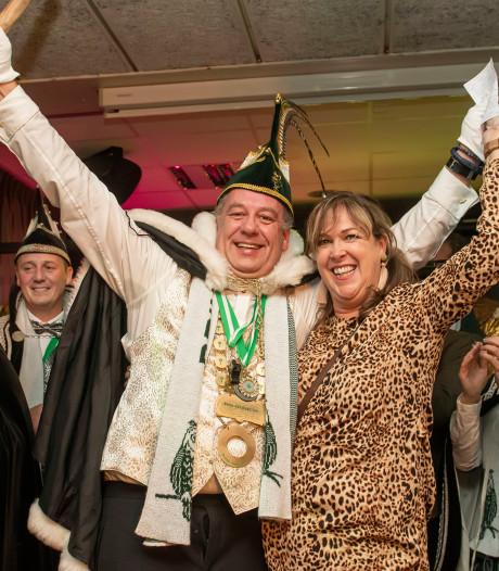 Prins Joep XVII regeert andermaal over de Bosuilen
