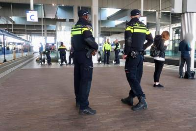 Grote controle op station Breda: twee aanhoudingen en 69 boetes