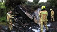 Tuinhuis brandt helemaal uit