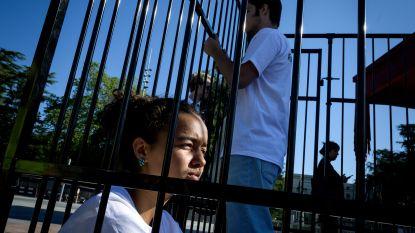 13.200 migrantenkinderen opgesloten in VS. Tieners protesteren in kooien bij VN tegen Amerikaans immigratiebeleid