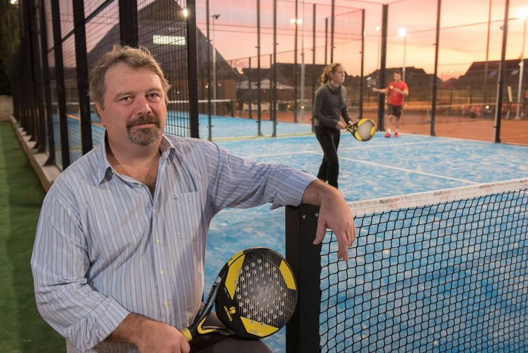 Tennisclub for ever legt twee padelterreinen aan gavere for Club de tennis interieur saguenay
