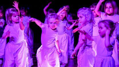 Dansgroep 'I Believe' blaast tien kaarsjes uit en viert dat met nieuwe showcase vol spektakel (en Michael Jackson)