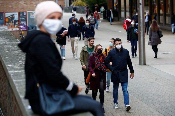 Studenten van de Waalse universiteit in Louvain-La-Neuve zorgden voor een enorme piek in het aantal besmettingen.