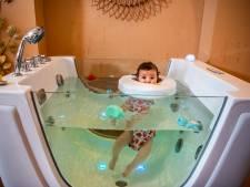 Floaten tussen de badeendjes in de jacuzzi: baby's ontspannen in de Baby Spa