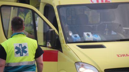 Fietser en voetganger botsen: twee gewonden