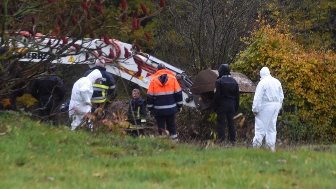 De stoffelijke resten werden gisteren opgegraven in een tuin in Montbliart.
