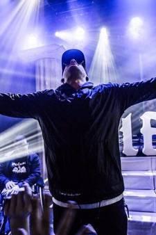 Kerken kopen show 'duivelse' rapper Jebroer af