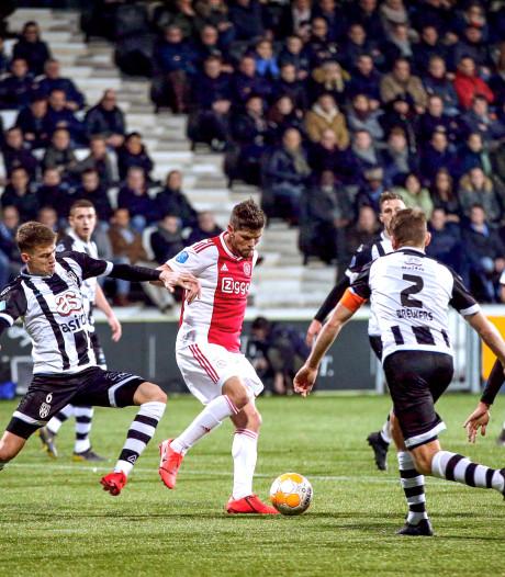Zo bespeel je PSV en Ajax