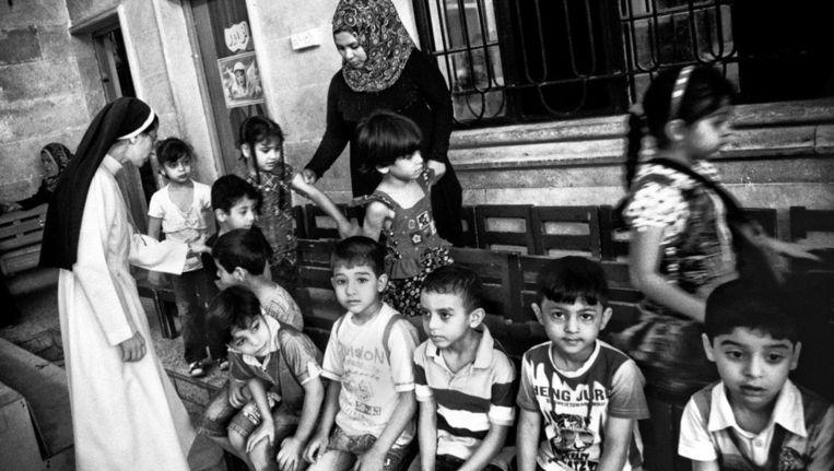Christenen hebben een gemengde crèche op gezet in Basra om de integratie tussen de verschillende geloven te bevorderen. Beeld Eddy van Wessel