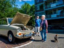 Buurtbewoners bewonderen bijna 50 jaar oude DAF: 'Daar zaten de veiligheidsgordels'