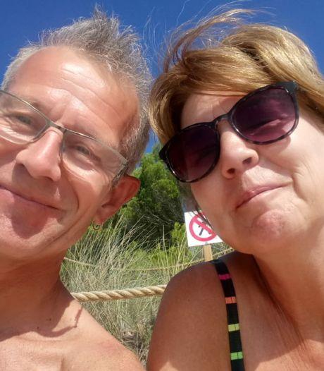 Ziek echtpaar uit Urk met laatste vliegtuig (voor vliegverbod inging) uit Tenerife terug naar huis