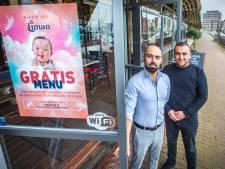 Mensen met down dineren gratis bij Turks restaurant aan haven: 'Ze hebben een specialiteit'