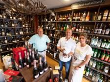 Bierflesjes van Rosink naar cafés in Enter: 'Na werk of kerkdienst steevast samen naar de kroeg'