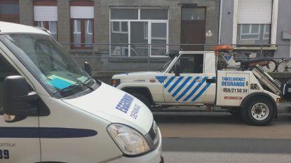 VIDEO. Wielerwedstrijd op verkiezingsdag: tientallen auto's getakeld in Kortrijk