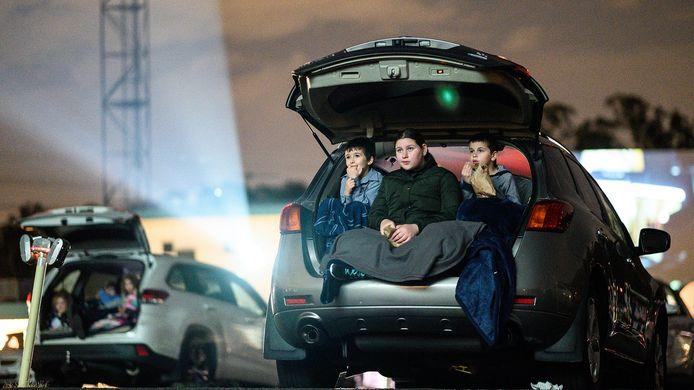 Mogelijk kunnen bezoekers vanuit de auto kijken naar een film in Spijkenisse.