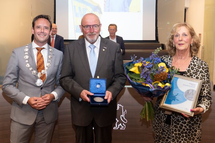 Dim van Rhee is benoemd tot ereburger van Harderwijk.