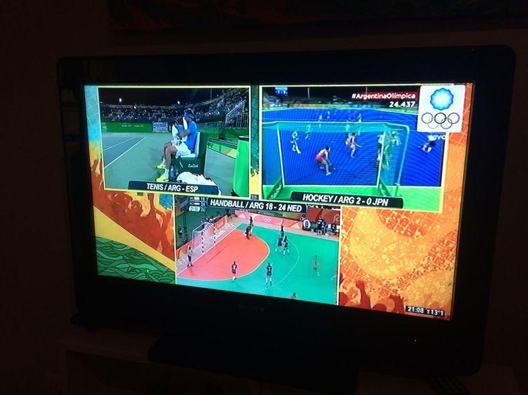De triple splitscreen op de Argentijnse televisie. Beeld null