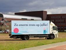 Nu ook bedankje voor personeel Maasziekenhuis met vrachtwagen