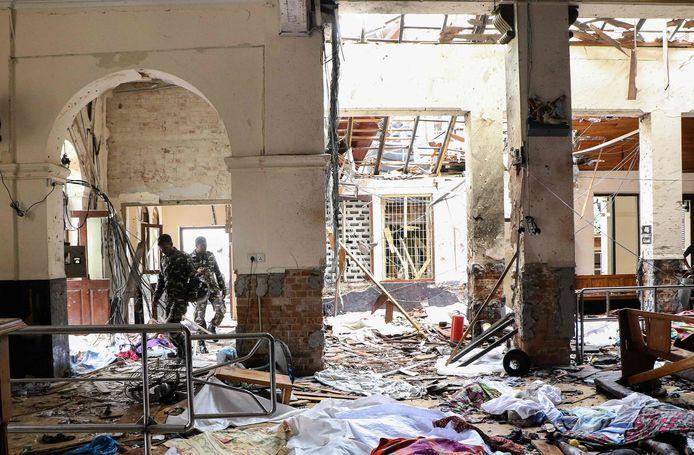 De Sint-Sebastiaan-kerk in de stad Negombo raakte volledig verwoest.