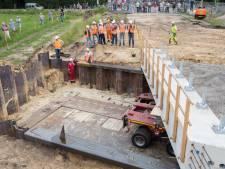 Conflict: tunnel in N348 bij Lemelerveld is geplaatst, maar grond is nog van een boer