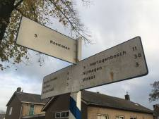 Unicum: ANWB-wegwijzers in Nuland worden monument en in oude stijl overgeschilderd