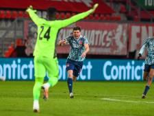 Invaller Huntelaar redt kansen missend Ajax in Enschede