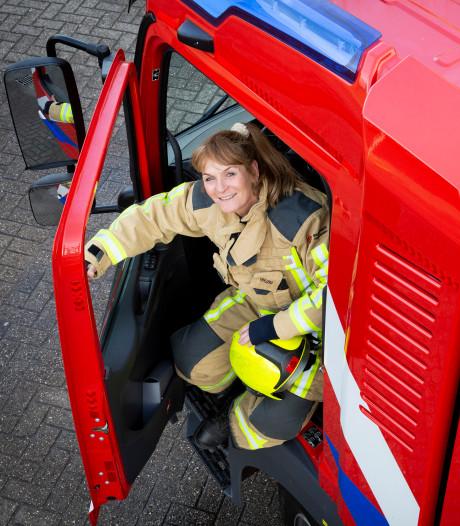 Brandweervrouw Els neemt na 33 jaar afscheid van haar kazerne: 'Uniek in regio Haaglanden'