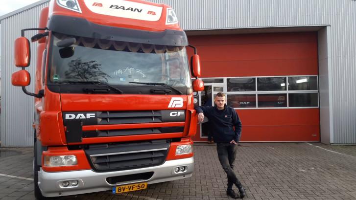 Joran mag twee dagen na z'n 18e verjaardag al vrachtwagen rijden