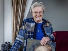 Ria (93) heeft alleen AOW: 'Spijt dat ik m'n pensioen afkocht'