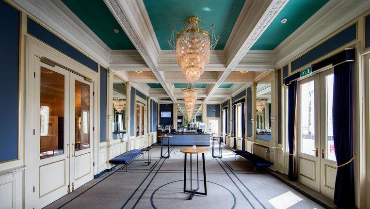 De Loge Foyer op de eerste verdieping van Carré, met - onbedoeld - verschillende tinten wit Beeld Jean-Pierre Jans