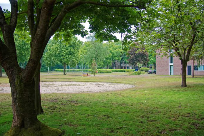 OOSTERHOUT - Een deel van het terrein van jeugdzorginstelling Lievenshove. Oosterhout koopt de grond onder meer om woningen neer te zetten.