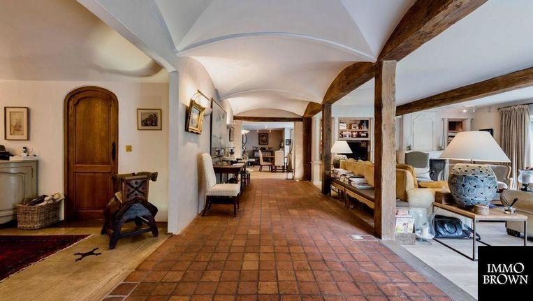 De imposante villa staat te koop