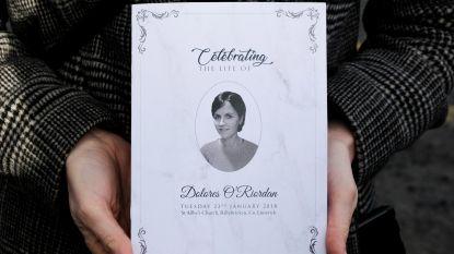Cranberries-zangeres Dolores O'Riordan in besloten kring begraven
