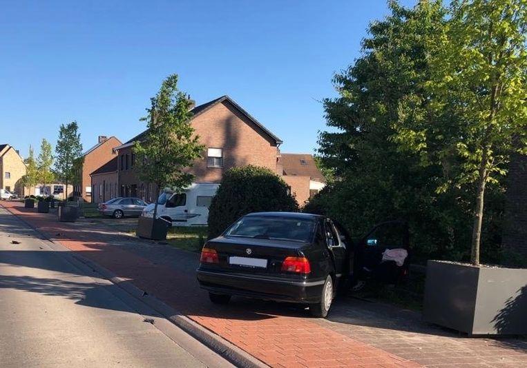 De achtervolging door de politie eindigde met een verkeersongeval in de Kloosterbaan in Arendonk.