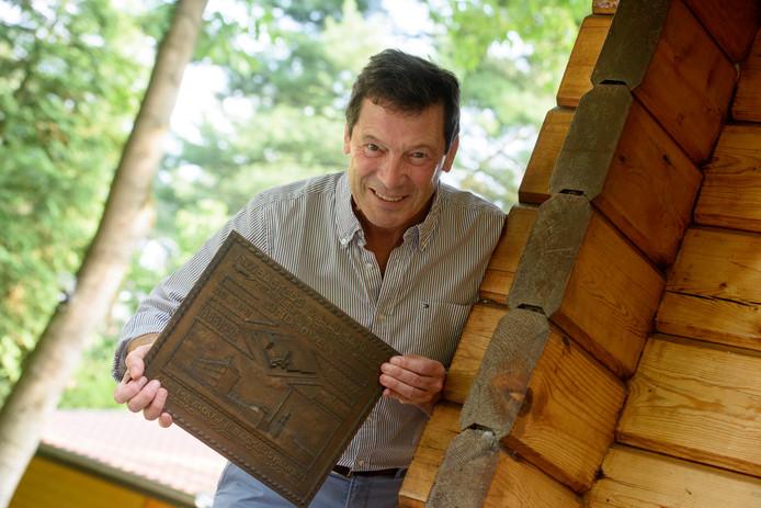 Historicus Charles Boissevain heeft een boek geschreven over de geschiedenis van de textielfabrieken van Baekers en Raijmakers in Eindhoven.