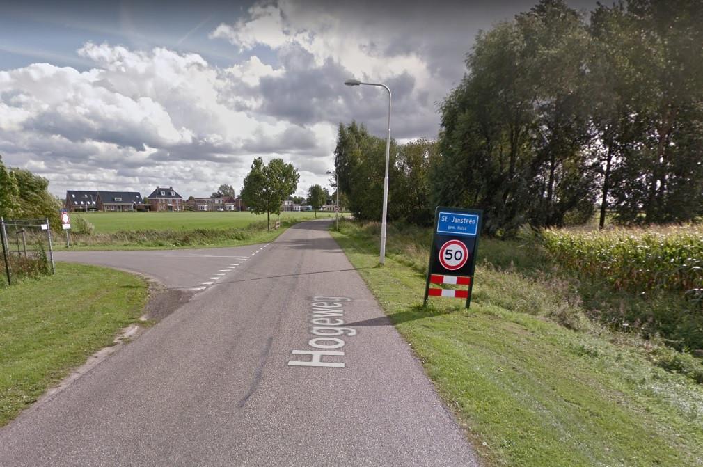 De Hogeweg tussen Hulst en Sint Jansteen