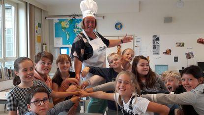 Toer van de Boer tovert juffen De Regenboog om in chef-koks