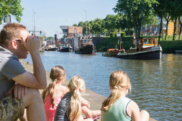 De sleepbootdagen in Vianen moeten het dit jaar zonder kermis doen.