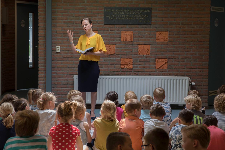 Voor de klas op de reformatorische Johannes Calvijnschool in Amersfoort.