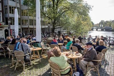 Amsterdamse economie in gevaar door tekort aan personeel