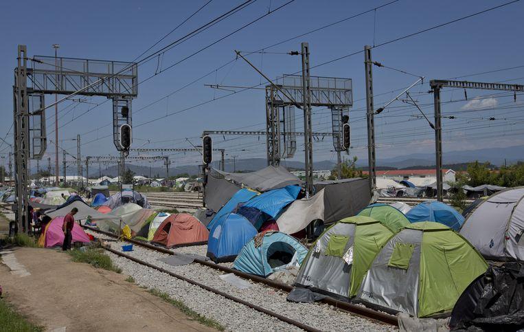 Tenten op het spoor tussen Griekenland en Macedonië. Beeld null