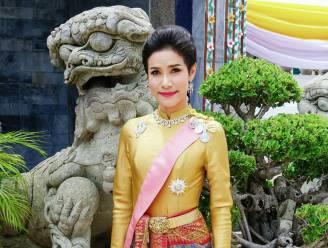 Aan schandpaal genagelde minnares van Thaise koning voor het eerst weer gezien