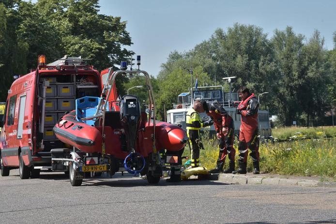 De duikers van de brandweer zijn opgeroepen.
