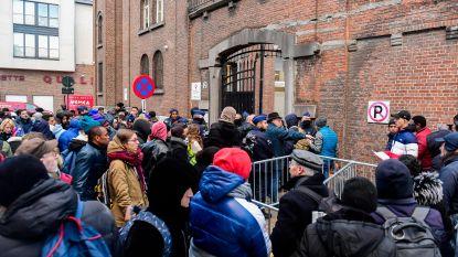 Quotum Francken geschrapt: vanaf morgen weer tot 150 asielaanvragen per dag