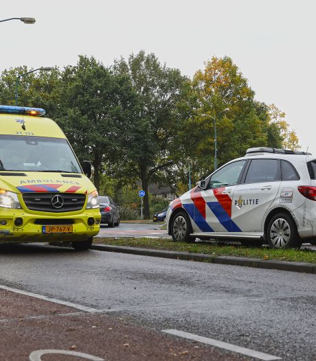 Fietser gewond naar het ziekenhuis na botsing in Oss