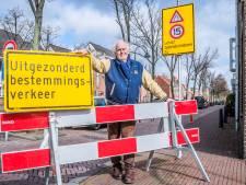 Bewoners Gasthuislaan zijn 'aantasting centrum' spuugzat: 'We leven hier in een gevaarlijk verkeersriool'