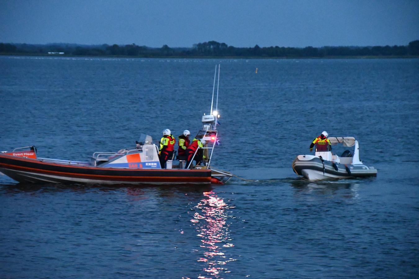 De KNRM moest de speedboot 'onderscheppen' op het Veluwemeer.